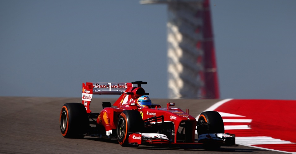 15.nov.2013 - Após atraso e paralisação, Fernando Alonso liderou a primeira sessão de treinos livres para o GP dos EUA
