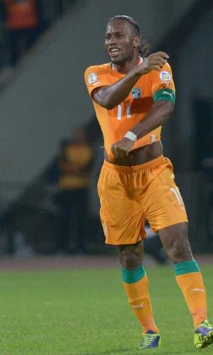 16.nov.2013 - Drogba comemora classificação da Costa do Marfim para a Copa do Mundo-2014, após empate por 1 a 1 com Senegal