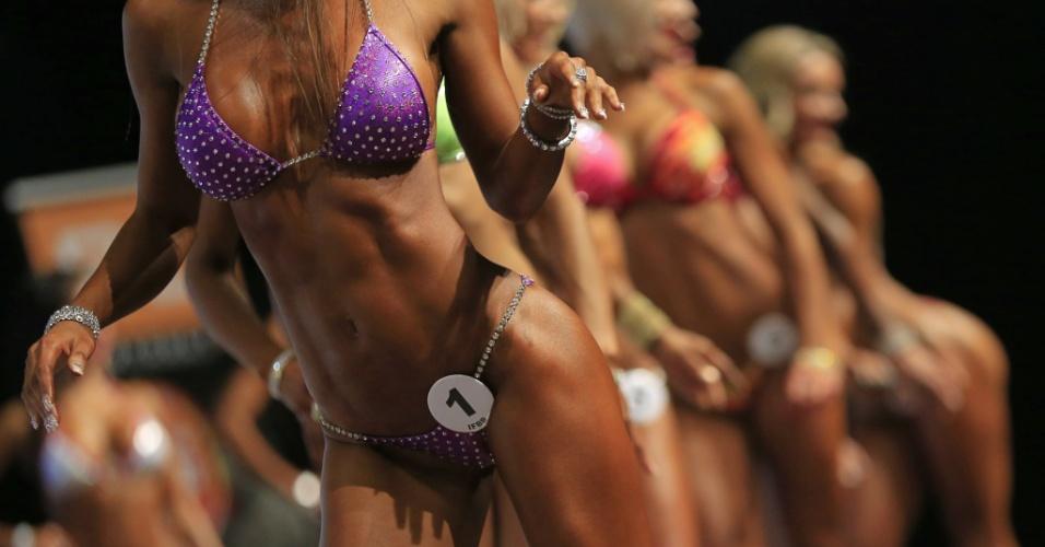 """Na Áustria, mulheres participam do Campeonato de Fisiculturismo na categoria """"Bikini-Fitness"""""""