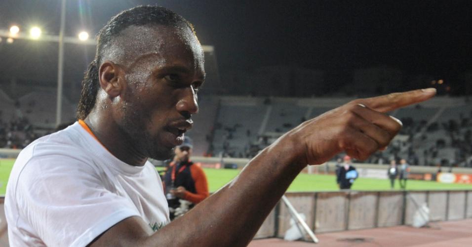 16.nov.2013 - Didier Drogba comemora a classificação da Costa do Marfim para a Copa do Mundo-2014 após o empate por 1 a 1 com Senegal