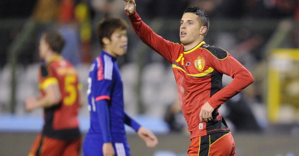 19.nov.2013 - Kevin Mirallas comemora após abrir o placar para a Bélgica no amistoso contra o Japão; belgas perderam por 3 a 2