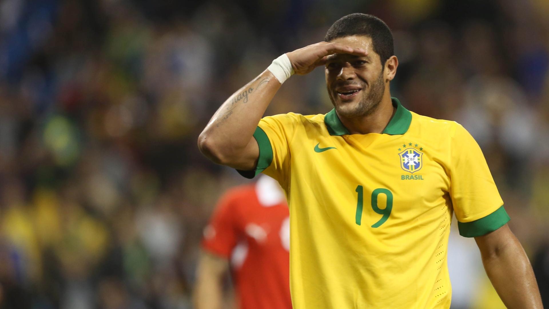 19.nov.2013 - Hulk comemora o gol do Brasil sobre a seleção chilena, em Toronto
