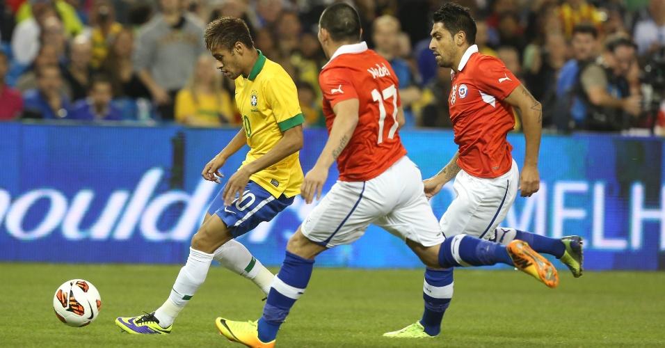 19.nov.2013 - Neymar em ação pela seleção brasileira contra o Chile, em Toronto