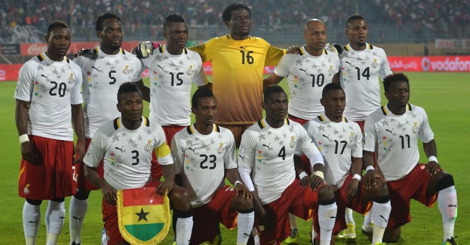 19.nov.2013 - Time de Gana posa para tradicional foto antes da partida de volta contra o Egito pelas eliminatórias da Copa-2014