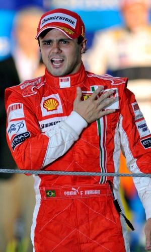 02.11.08 - Felipe Massa festeja a vitória no GP Brasil de F-1 de 2008