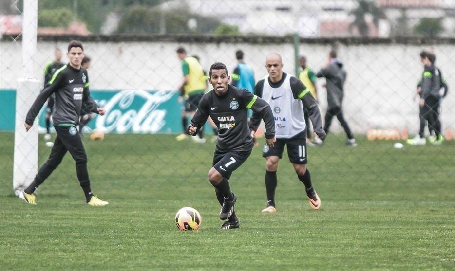 Vitor Junior, meia que foi dispensado pelo Coritiba