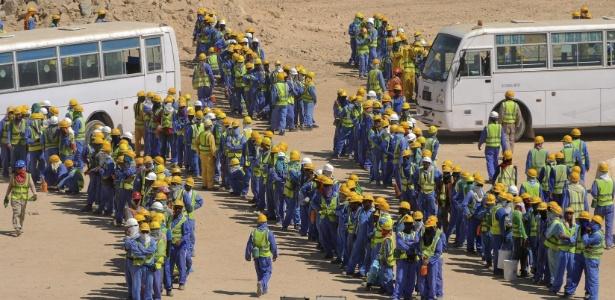 Trabalhadores imigrantes em obra da Copa de 2022, no Qatar
