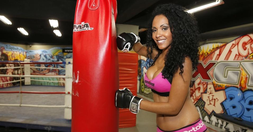 Ex-BBB 13 Aline Mattos será ring girl na 61ª edição do Jungle Fight, que acontece neste sábado, em Campos dos Goytacazes (RJ),