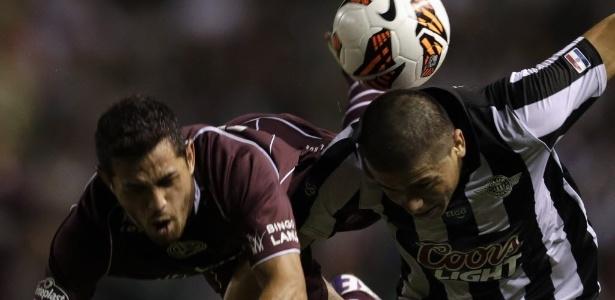 Lautaro Acosta, do Lanús, é um dos possíveis reforços do Cruzeiro para 2018 - REUTERS/Jorge Adorno