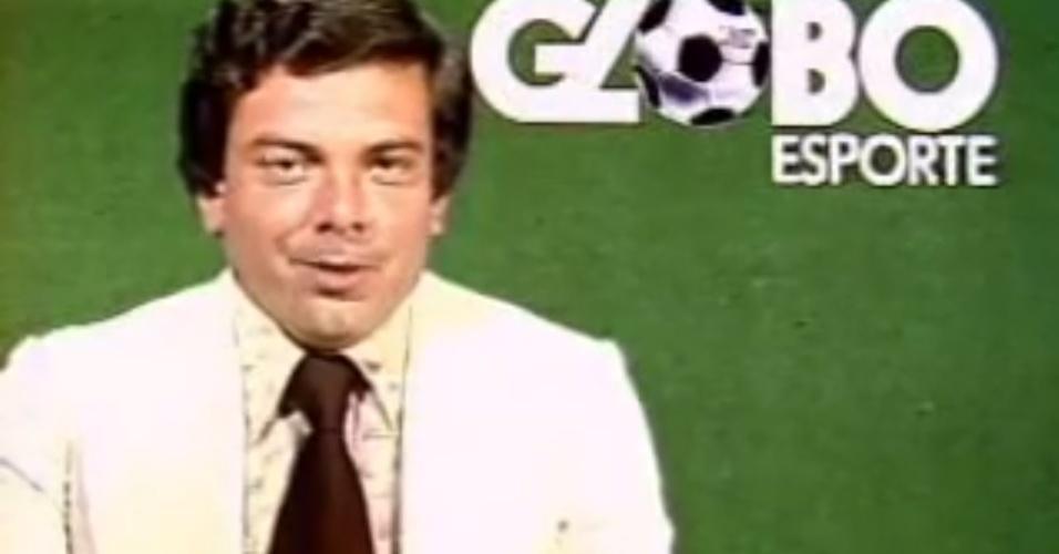 Luciano do Valle em reprodução de vídeo de quando apresentava o Globo Esporte; ele trocou a Globo pela Record no começo dos anos 1980 e em seguida começou sua longa carreira na Band