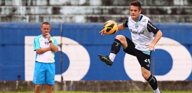 Volante do Grêmio curte vitória da Chapecoense b2f1d90acff94