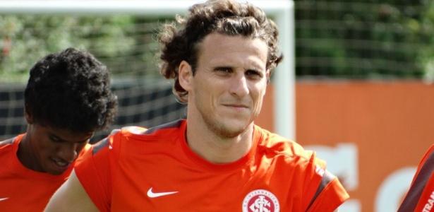Diego Forlán tem R$ 8 milhões para receber do Inter, que pode ter valores penhorados