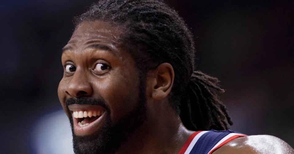 23.11.2013 - Nenê, do Washington Wizards, sorri durante a derrota da sua equipe