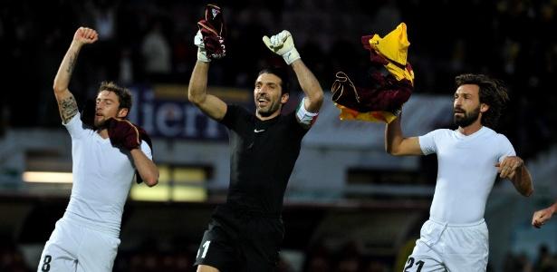 Buffon (centro) e Pirlo (dir) atuaram por anos na Juventus