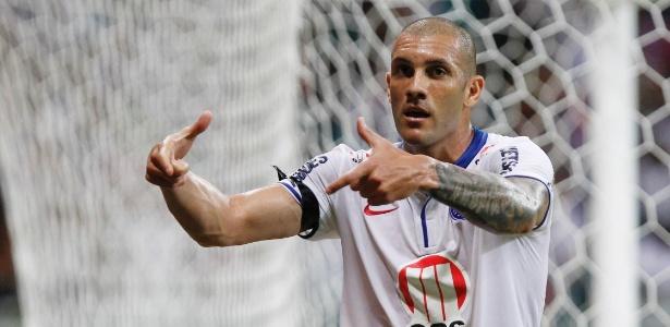 Fernandão fez 18 gols em 41 jogos pelo Bahia na temporada de 2013 - Felipe Oliveira / AGIF