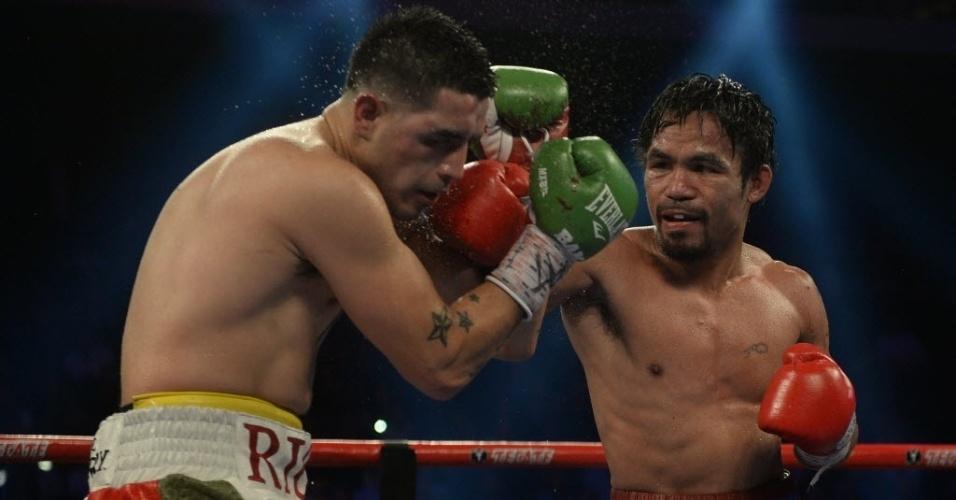 Manny Pacquiao golpeia Brandon Rios para vencer por pontos e se recuperar de duas derrotas seguidas no boxe
