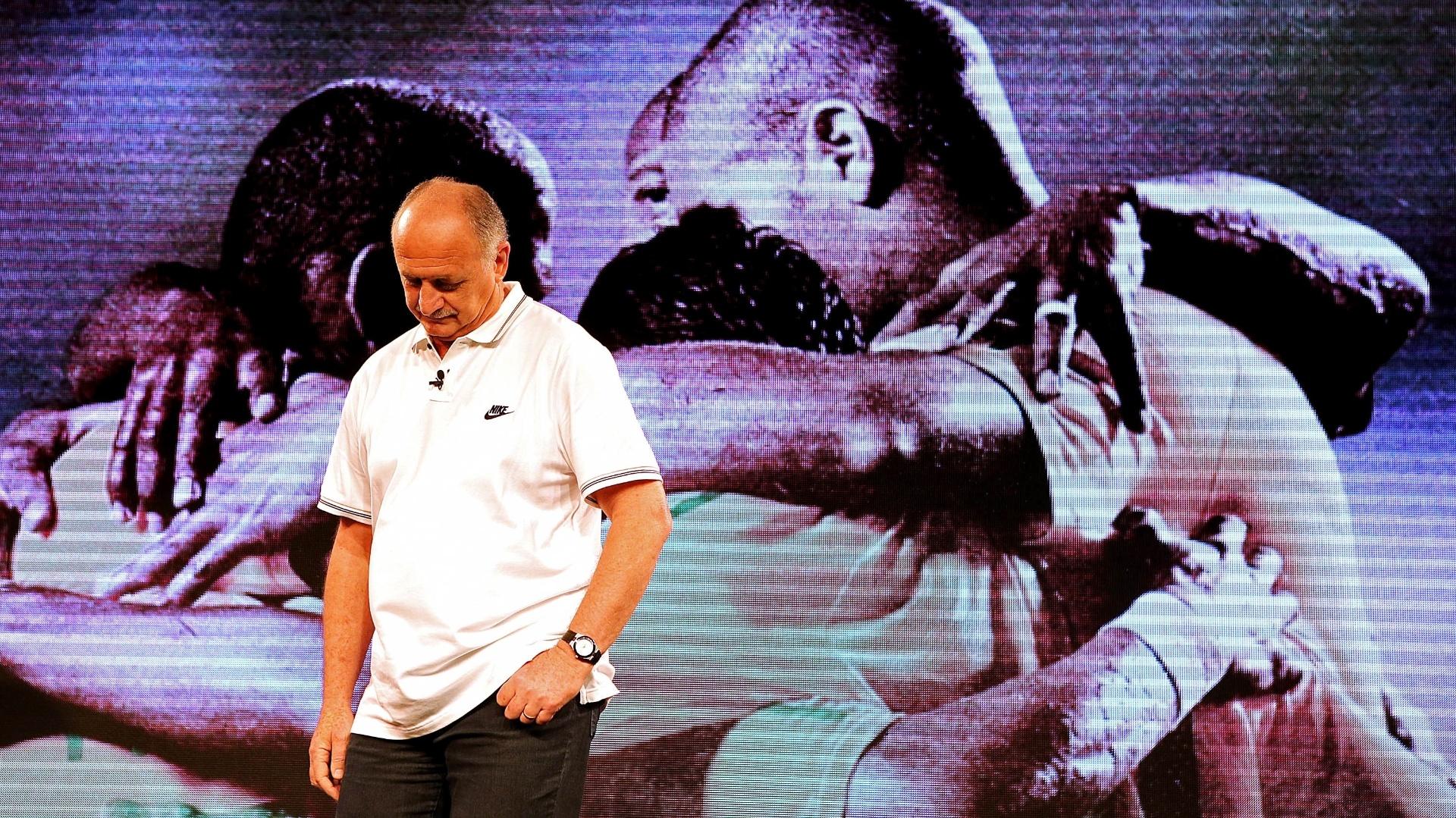 Técnico Luiz Felipe Scolari também marcou presença no evento de lançamento da nova camisa da seleção brasileira (24.nov.2013)