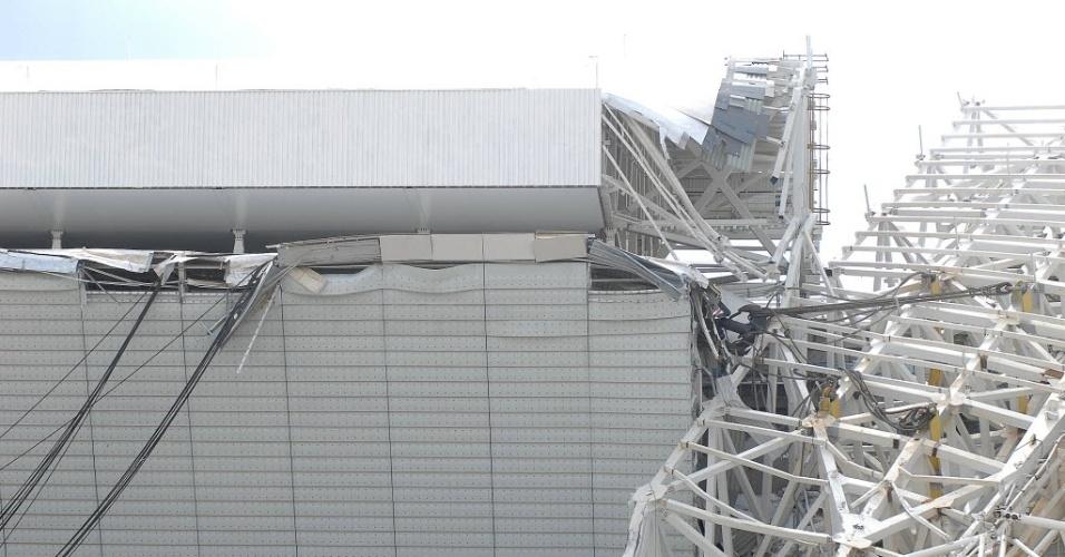 27.nov.2013 - A inauguração do estádio do Corinthans estava prevista para 5 de janeiro