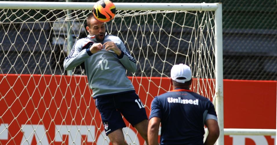 27.nov.2013 - O goleiro Diego Cavalieri treina nas Laranjeiras junto do elenco do Fluminense