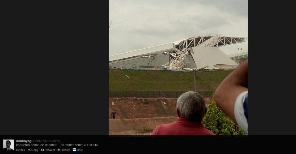 Imagem mostra parte da estrutura metálica que desabou no Itaquerão nesta quarta-feira (27/11)