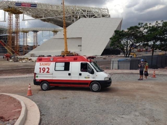 Unidade do Samu foi chamada para socorrer vítimas do acidente no Itaquerão nesta quarta-feira
