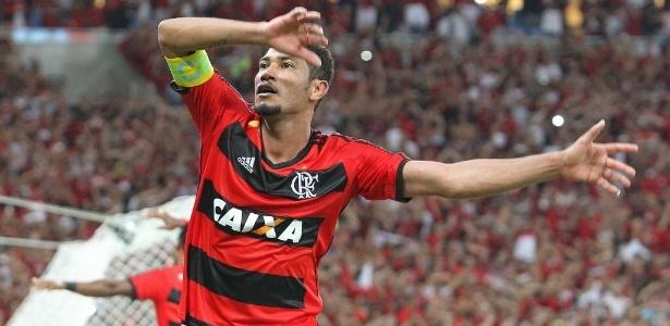 A possibilidade de repatriar Hernane é debatida constantemente no Flamengo - Julio Cesar Guimaraes/UOL