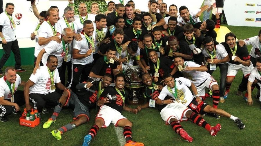Flamengo comemora título da Copa do Brasil de 2013: clube também foi campeão em 1990 e 2006 - Julio Cesar Guimaraes/UOL