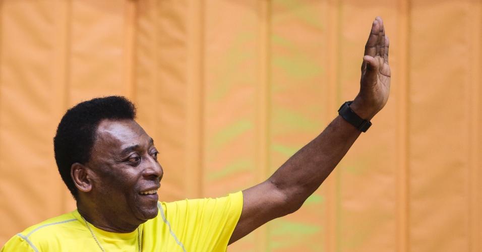 04.12.2013 - Pelé participa de evento com Michael Phelps