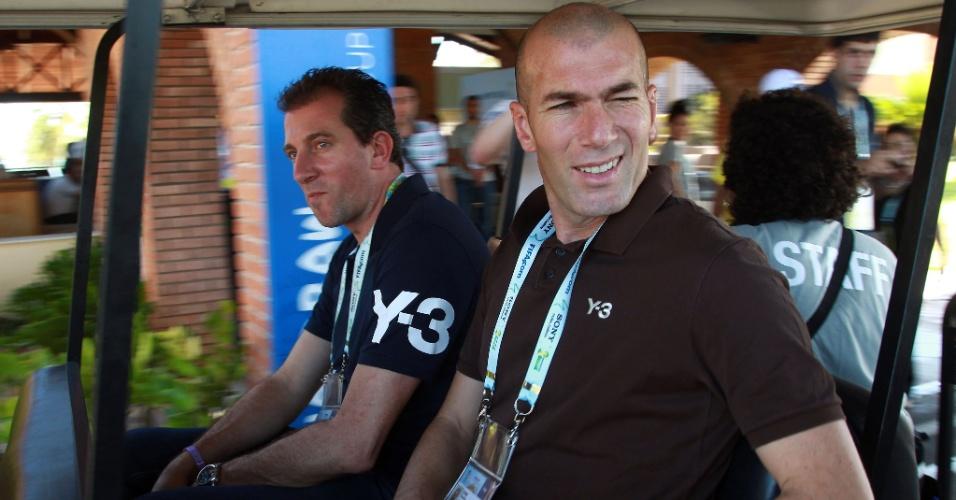 04.dez.2013 - Ex-jogador francês Zinedine Zidane, atualmente auxiliar do Real Madrid, marca presença na Costa do Sauipe, onde será realizado o sorteio para a Copa do Mundo de 2014