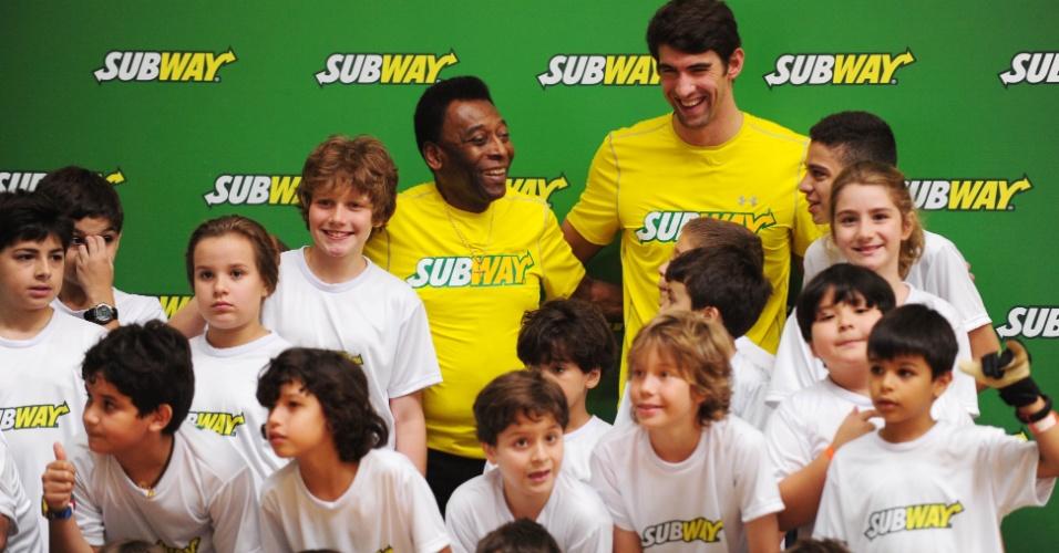 Evento em São Paulo contou com a presença de Pelé, do ex-nadador Michael Phelps e grupo de crianças