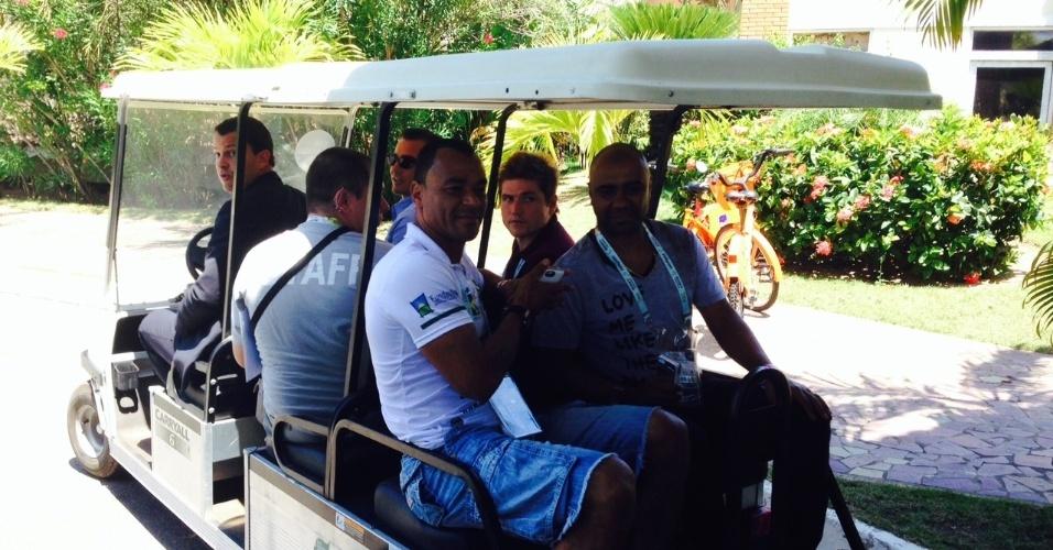 04.dez.2013 - Ex-lateral Cafu chega a Costa do Sauipe para o sorteio do Mundial