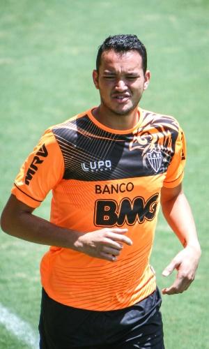 Zagueiro Réver, do Atlético-MG, treina na Cidade do Galo (29/11/2013)
