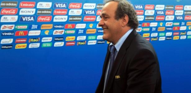 Presidente da Uefa, Michel Platini, não concorda com a realização da Copa no verão do Qatar