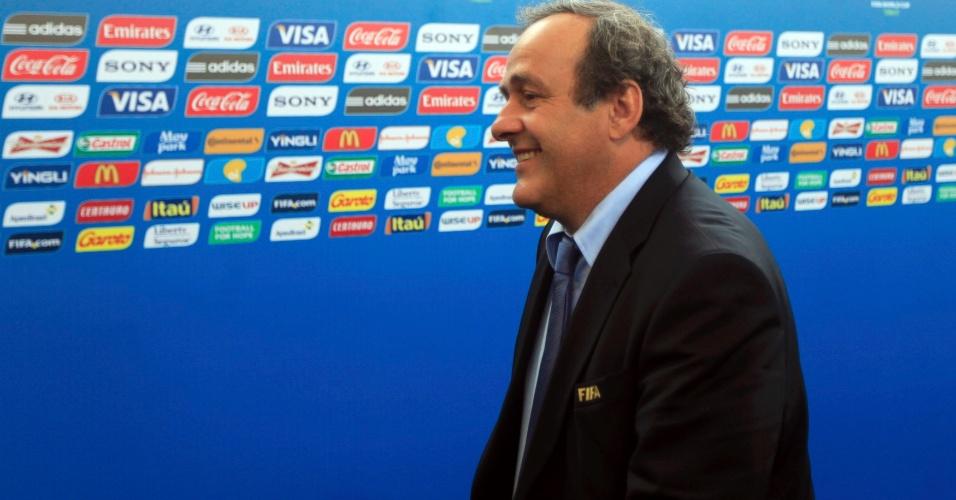 06.12.2013 - Presidente da Uefa, Michel Platini passa pelo tapete vermelho da Fifa na Bahia