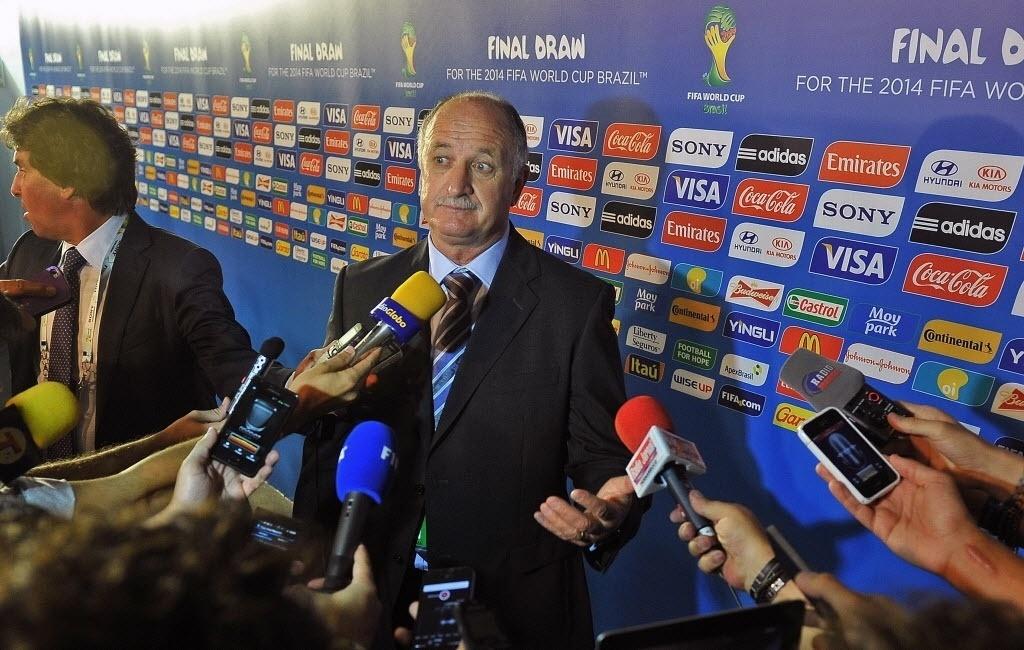 06.dez.2013 - Luiz Felipe Scolari fala com a imprensa após o sorteio dos grupos da Copa do Mundo