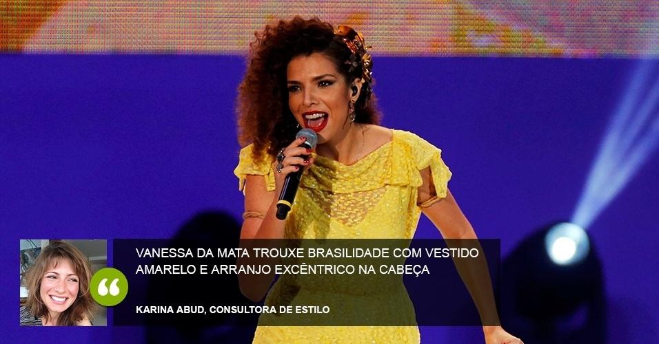 """""""Vanessa da Mata trouxe brasilidade com vestido amarelo e arranjo excêntrico na cabeça"""" - Karina Abud, consultora de estilo"""