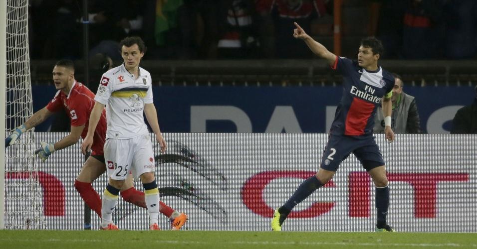 7.12.13 - Thiago Silva marca o primeiro gol do PSG diante do Sochaux