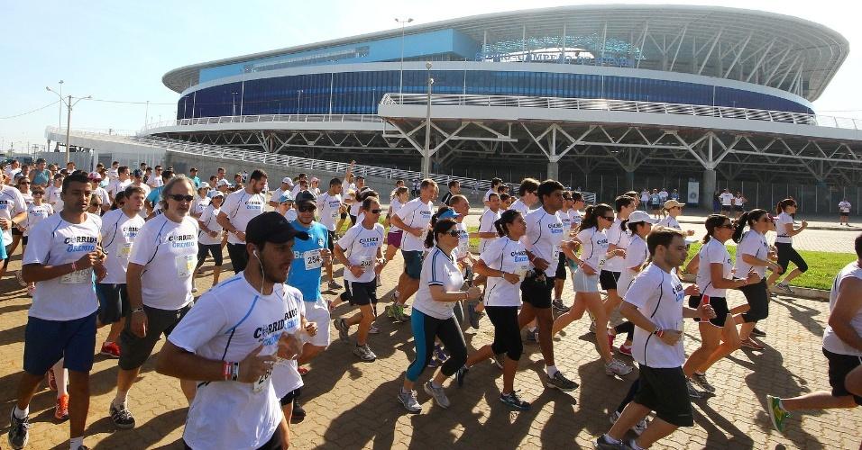 08 dez 2013 - Corrida do Grêmio reúne 15 mil pessoas na Arena neste domingo