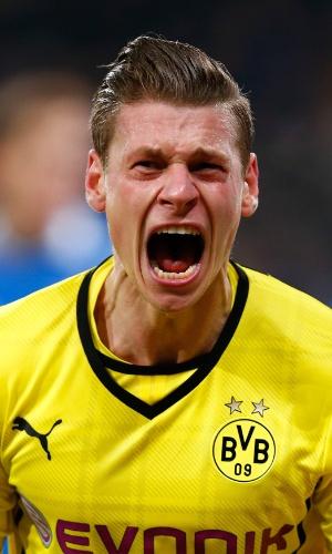 14.12.2013 - Lateral Lukasz Piszczek grita após marcar pelo Dortmund contra o Hoffenheim