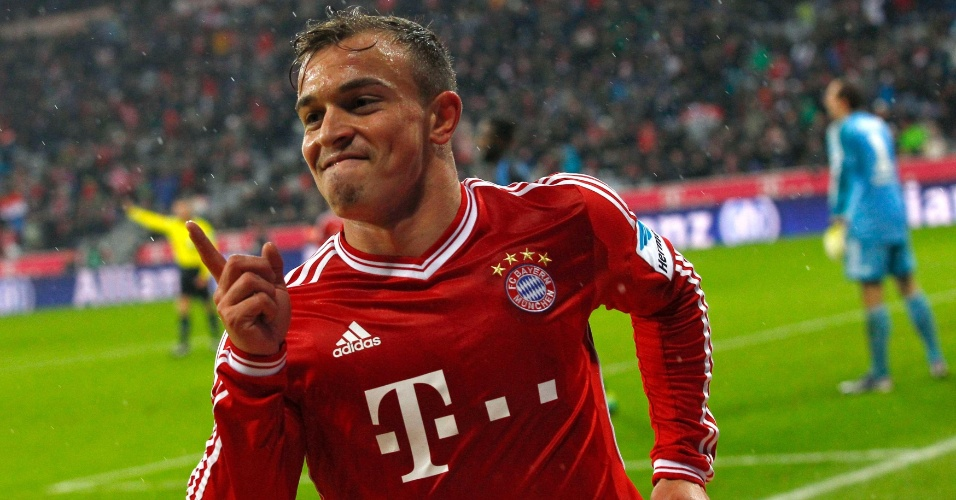 14.12.2013 - Shaqiri comemora gol do Bayern de Munique contra o Hamburgo