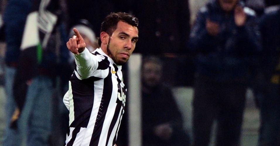 15.dez2013 - Tevez comemora após abrir o placar para a Juventus contra o Sassuolo, pelo Campeonato Italiano
