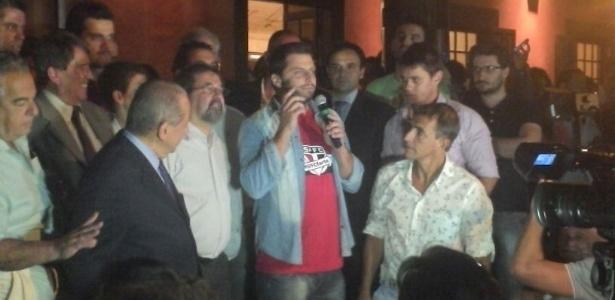 Ator Henri Castelli participou da festa da oposição do São Paulo - Guilherme Palenzuela/UOL