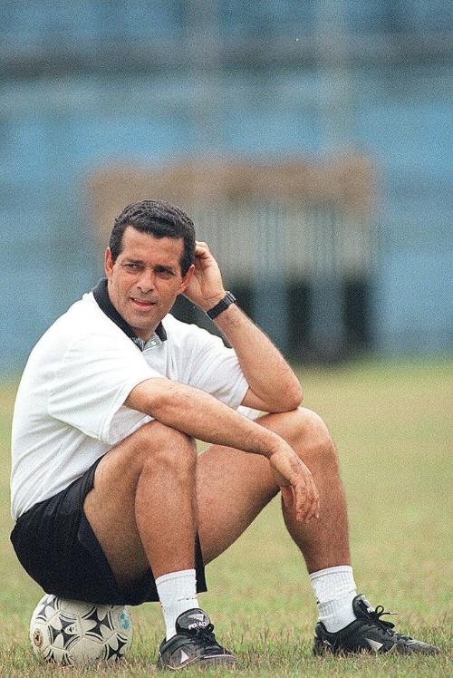 Eduardo Amorim foi jogador do Corinthians. Como técnico do clube, conquistou o Paulistão e a Copa do Brasil, ambos em 1995