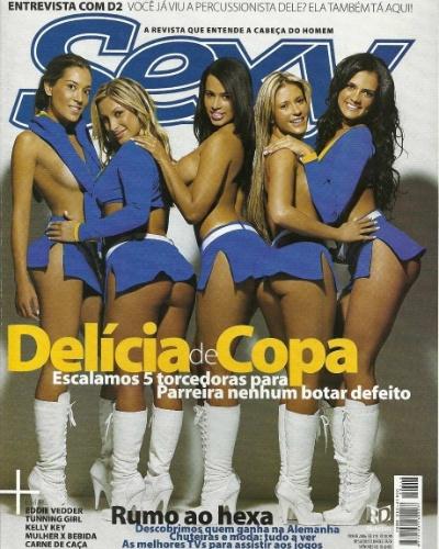 A revista Sexy também costuma dar destaque à Copa e realizar ensaios inspirados em futebol