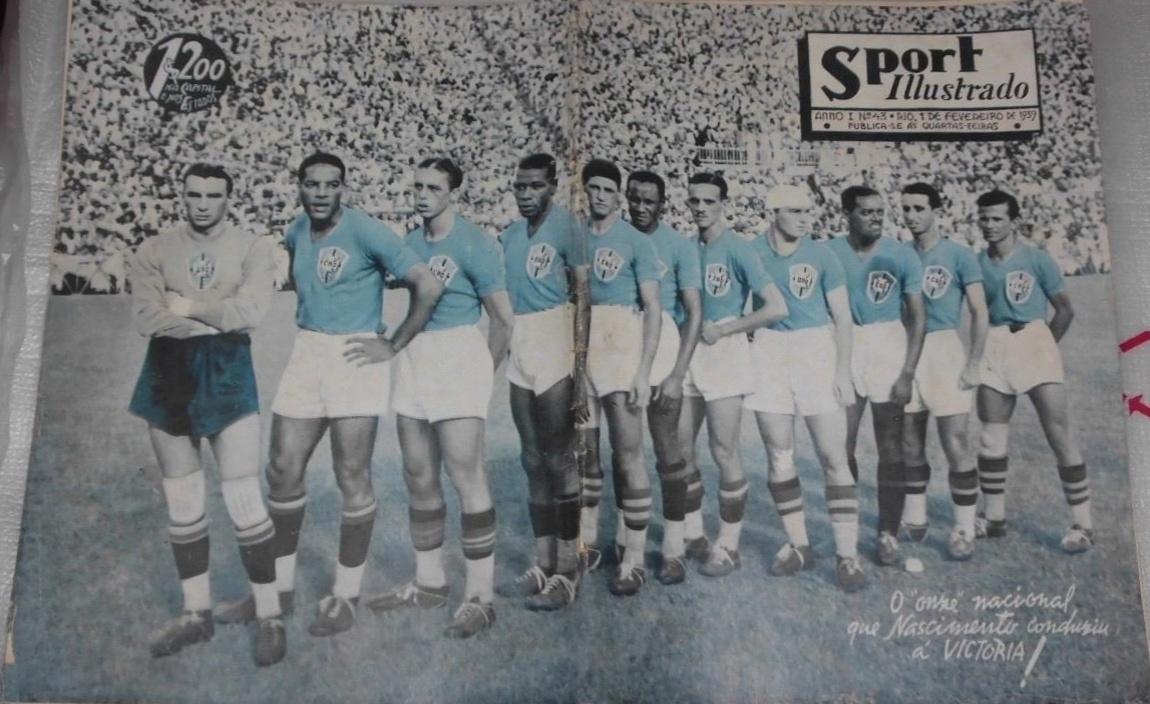 Entre as imagens antigas de seu acervo, Harley Lima Fernandes tem o registro dos jogadores da seleção brasileira antes da partida contra a Argentina pela Copa Roca, em janeiro de 1939