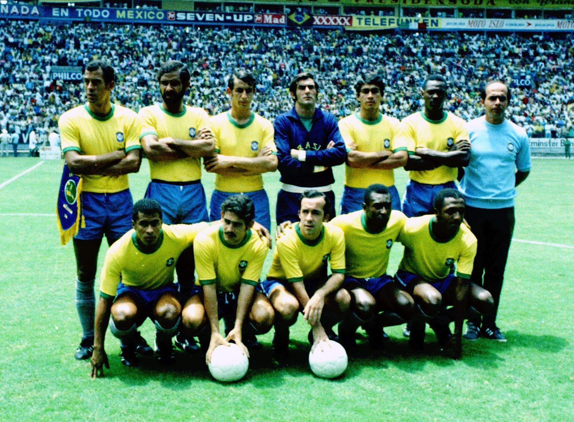 Harley Lima Fernandes tem em sua coleção mais de três mil fotos posadas da seleção brasileira. Nesta imagem, os jogadores posam antes de partida pela Copa do Mundo-1970