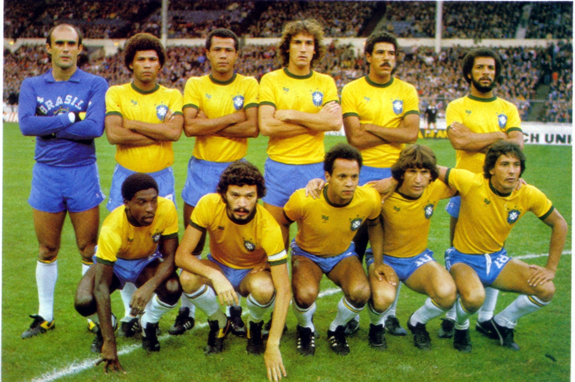 Jogadores da seleção brasileira posam para tradicional foto antes do amistoso contra a Inglaterra em Wembley. Imagem faz parte da coleção de Harley Lima Fernandes, fanático pela equipe canarinho
