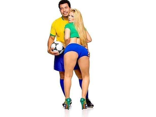 Produtoras tomam cuidado para evitar problemas com marcas e nomes ligados à Copa. Vivi Ronaldinha gravou com um sósia de Ronaldo em 2008, mas o filme não foi comercializado, barrado pelo Fenômeno.
