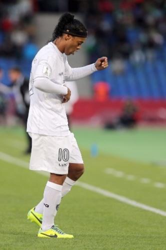 Ronaldinho comemora após empatar para o Atlético-MG (21.dez.2013)