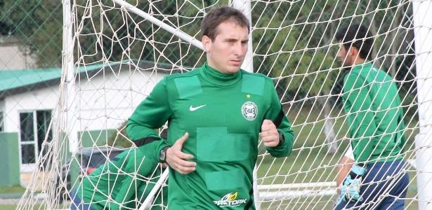 Sem espaço no Coritiba, Bottinelli atuará na Universidad Católica na próxima temporada